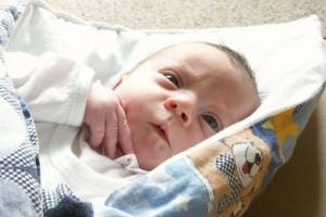 新生儿肚脐发炎了怎么办宝宝脐带护理的原则