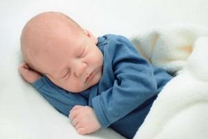 三个月宝宝12斤正常吗三个月宝宝怎么喂养