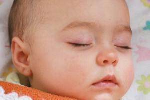 2岁宝宝睡觉时浑身抖动宝宝睡觉时抖动严重么